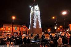 Christmas Lights That Go Along With Music Oldham News Failsworth Extra Lights Go Up The Pole For