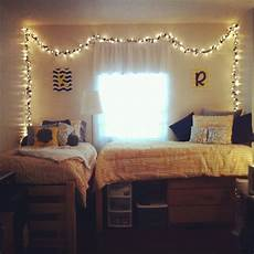 Christmas Lights Dorm Room White Christmas Lights Around The Edges Of The Walls