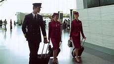 qatar airways cabin crew nueva oportunidad para los colombianos que deseen trabajar