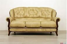 divani a tre posti divano in legno e pelle con cornice in stile classico
