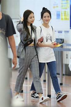 blackpink jennie s entire airport had one thing in