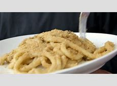 Ainsley Harriott pasta with cauliflower and anchovies