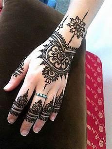 Ambi Mehndi Design Latest Mehendi Designs For Hands Heart Bows Amp Makeup