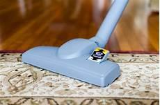 pulire i tappeti tappeti in seta belli e delicati come pulirli senza rischi