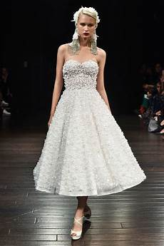 billige bryllupsideer naeem khan fall 2018 wedding dress collection