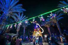 La Zoo Lights Family Celebration Now That The Holidays Are Underway 8 Places Where You Can