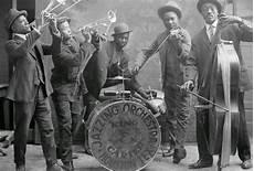 genere swing dalle origini all era dello swing roaring emily jazz band