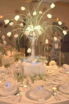 reception table decoration entertaining wedding table