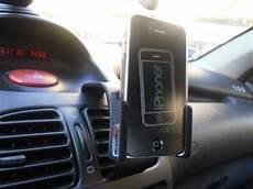 porta iphone da auto supporto per auto brodit per iphone 4 la recensione iphoner