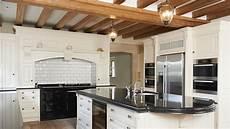 finte travi per soffitto cartongesso o travi a vista per il tuo soffitto