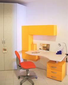 scrivanie mondo convenienza per camerette mondo convenienza comodini ferro battuto camere da letto