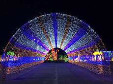 Selma Texas Festival Of Lights Gtd Lights Up The Largest Holiday Light Festival In