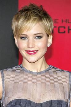 kurzhaarfrisuren mit dunklem ansatz awesome pixie cut designs ideas hairstyles design
