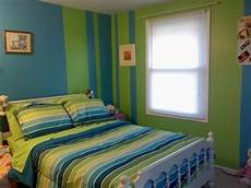Blue And Green Bedroom Blue And Green Striped Walls Lillee Bedroom Wall Paint