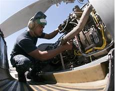 Airplane Mechanic 5 Things You Didn T Know About Becoming An Aircraft