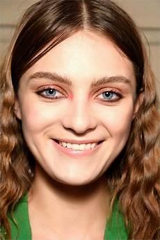 kurzhaarfrisur ovales gesicht hohe stirn frisuren hohe stirn schmales gesicht beliebte frisuren 2020