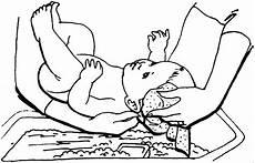 mutter waescht baby ausmalbild malvorlage kinder