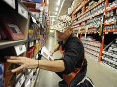 Home Depot Sales Associate Home Depot Hiring 300 Associates In Reno Area For Busy
