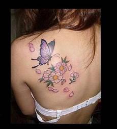 tatuaggio fiore di loto e farfalla tatuaggi con farfalle e fiori i pi 249 bei disegni