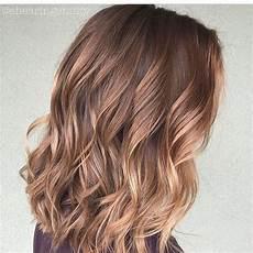frisuren dickes haar mittellang 10 everyday medium hairstyles for thick hair 2020 easy