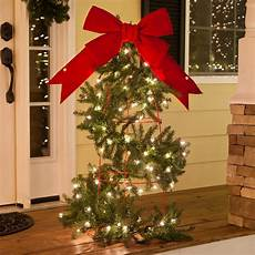 How To Wrap A Large Tree With Christmas Lights Outdoor Christmas Decorating Ideas Yard Envy