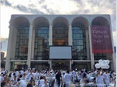 2017 NYC Dîner en Blanc Pop Up White Party Returns to