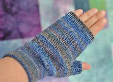 fingerless mittens knitting pattern