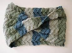 stricken kostenlos tide pool scarf free pattern easy mobius with a mock