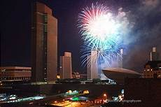 Best Christmas Lights In Albany Ny Fireworks At Empire State Plaza Empire State Places
