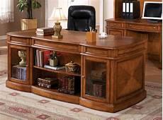 le bureau en bois massif est une classique qui ne se d 233 mode pas