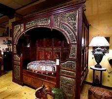 letti a baldacchino antichi letto a baldacchino scelta passato o futuro