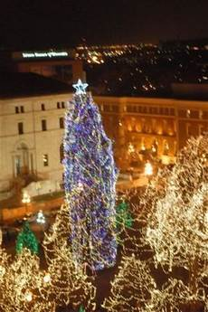 Rice Park Mn Christmas Lights Christmas Tree Lighting In Rice Park Picture Of Saint