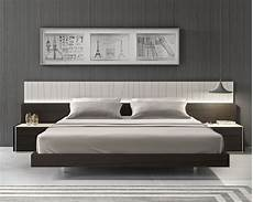 Modern Headboard Lacquered Fashionable Wood Platform And Headboard Bed With