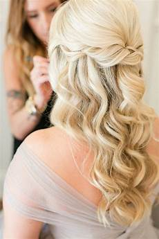 10 glamorous half up half wedding hairstyles from