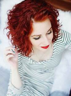 kurzhaarfrisuren frauen rote haare lockige frisuren kurz
