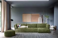disposizione divani soggiorno cambiare look al soggiorno 6 trucchi per renderlo