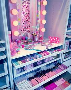 diy maquillaje make up junkies flaunt their stylish rooms