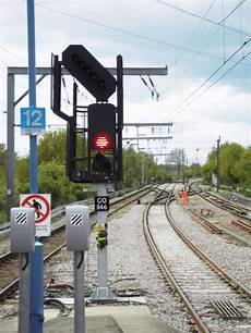 Train Light Signals Uk How Do Railway And Train Signals Work And How Do Trains