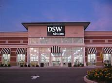 Dsw Designer Shoe Warehouse St Peters Mo Dsw Women S And Men S Shoe Store In St Peters Mo