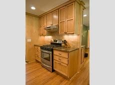 Custom Maple Kitchen Cabinets   Country Cabinets