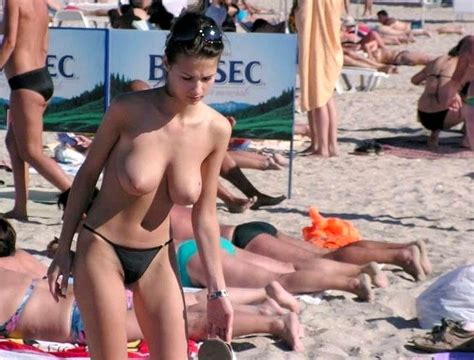 Pictures Wife Topless Vacation Perky