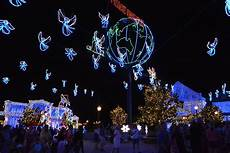 Hollywood Studios Lights Osborne Family Spectacle Of Dancing Lights With Photos And