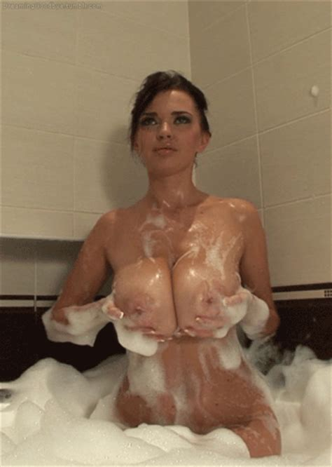 Nude Soapy Wet Lesbos