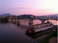 Chattanooga Lights On The River Chattanooga Tn Tennessee River Tennessee River