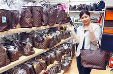 2nd Hand Designer Bags Singapore Foreign Tourists Buying Second Hand Brand Goods In Japan