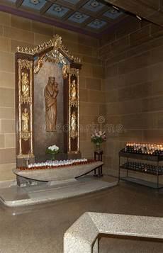 candele chiesa candele della chiesa di festa immagine stock immagine di