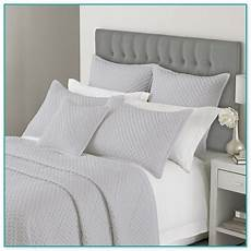 large square pillows for bed