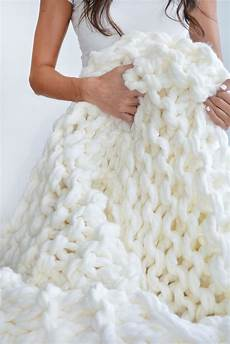 knit diy easy diy chunky knit blankets to cozy up with homelovr