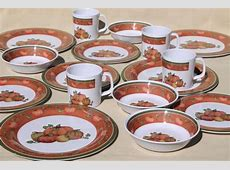 Holiday Dinnerware Set & 16 Piece Christmas Dinnerware Set