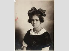 Check Out These Rare and Beautiful Photos of Young Frida